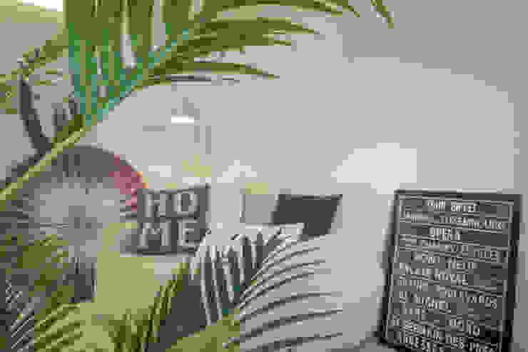 HOME STAGING Camera da letto moderna di Mirna Casadei Home Staging Moderno