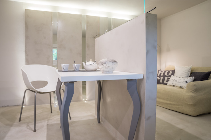 HOME STAGING Cucina moderna di Mirna Casadei Home Staging Moderno