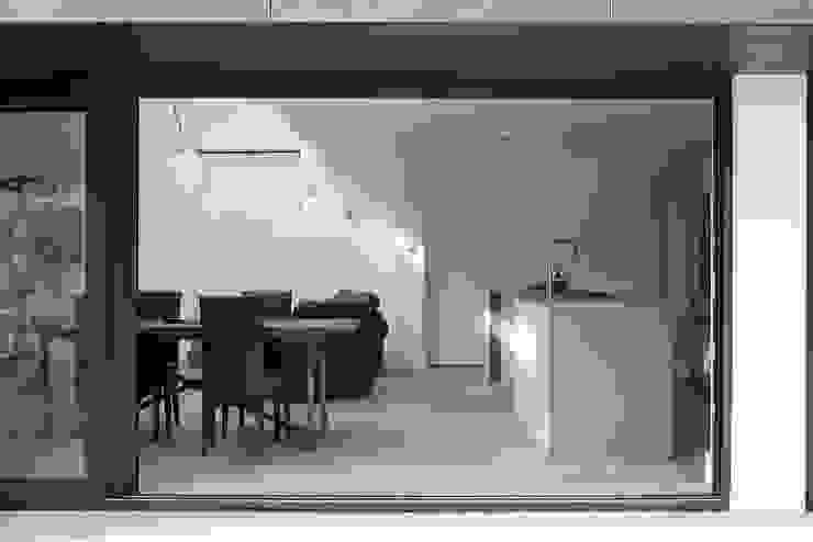 Harefield Road Moderne keukens van Gruff Modern