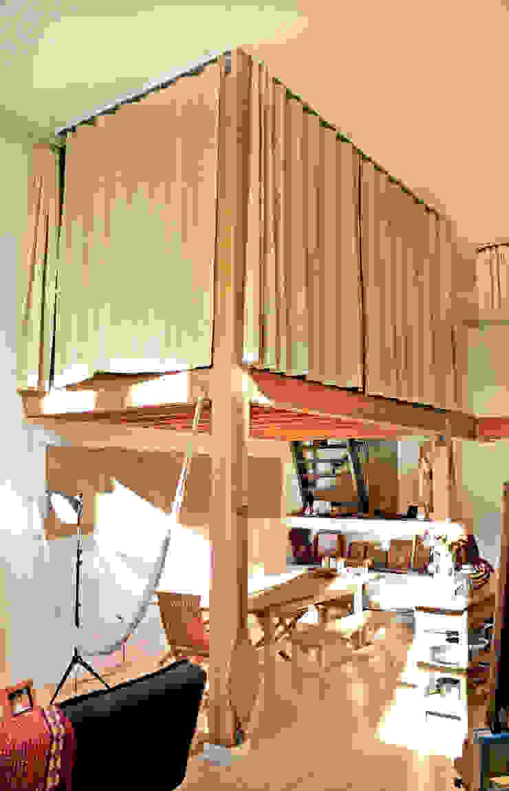 Loft LA Dormitorios modernos de Juan Carlos Loyo Arquitectura Moderno