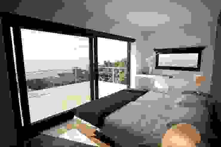 Casa Simas | Quarto Quartos minimalistas por Conceito Arquitetos Minimalista