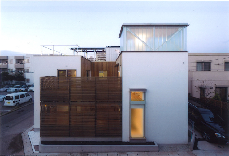 コートハウス モダンな 家 の ツチヤタケシ建築事務所 モダン