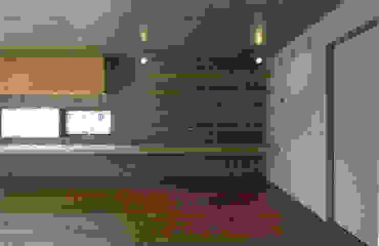 コートハウス モダンデザインの 書斎 の ツチヤタケシ建築事務所 モダン