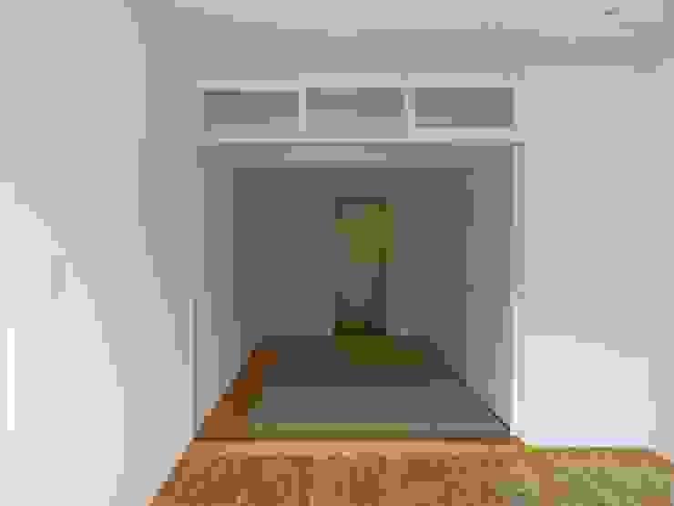 506号室の改装 モダンスタイルの寝室 の ツチヤタケシ建築事務所 モダン