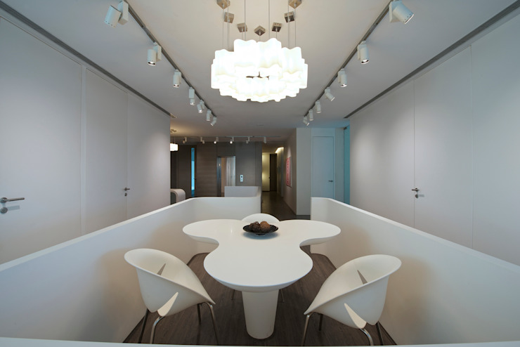 Kantor & Toko Modern Oleh Atelier Design N Domain Modern
