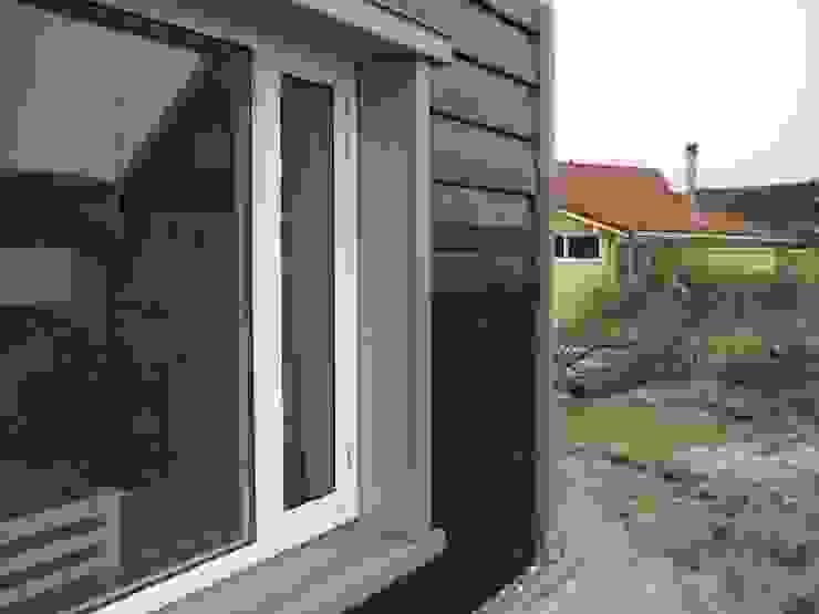 Recreatiewoning Vlieland Moderne huizen van Kat Koree Architecten Modern