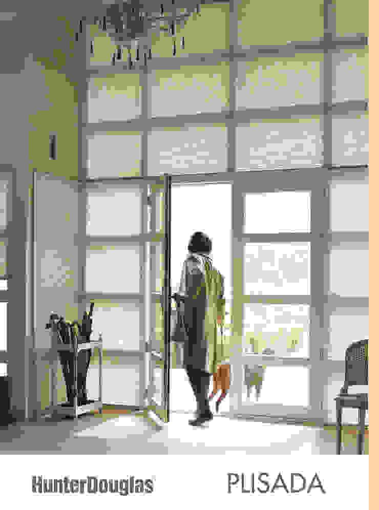 Plisada Salones minimalistas de Dekorier Interiores Minimalista Textil Ámbar/Dorado