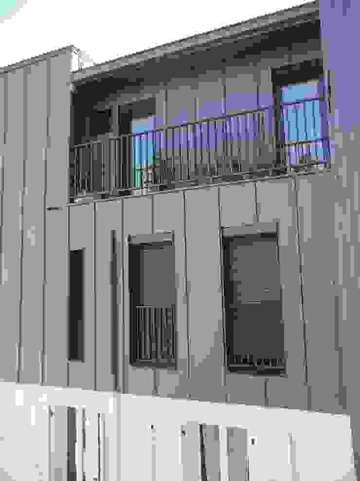 Sur-élevation à ossature Bois – Montreuil Maisons modernes par AADD+ Moderne