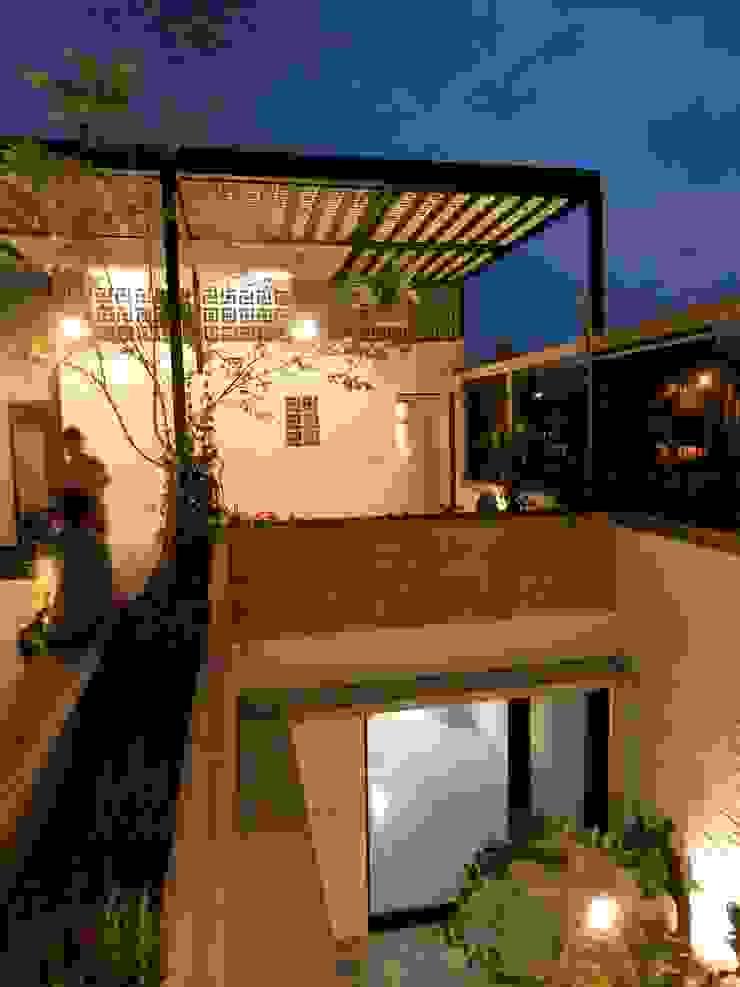 Casa PV Balcones y terrazas modernos de Boquer 3 Moderno