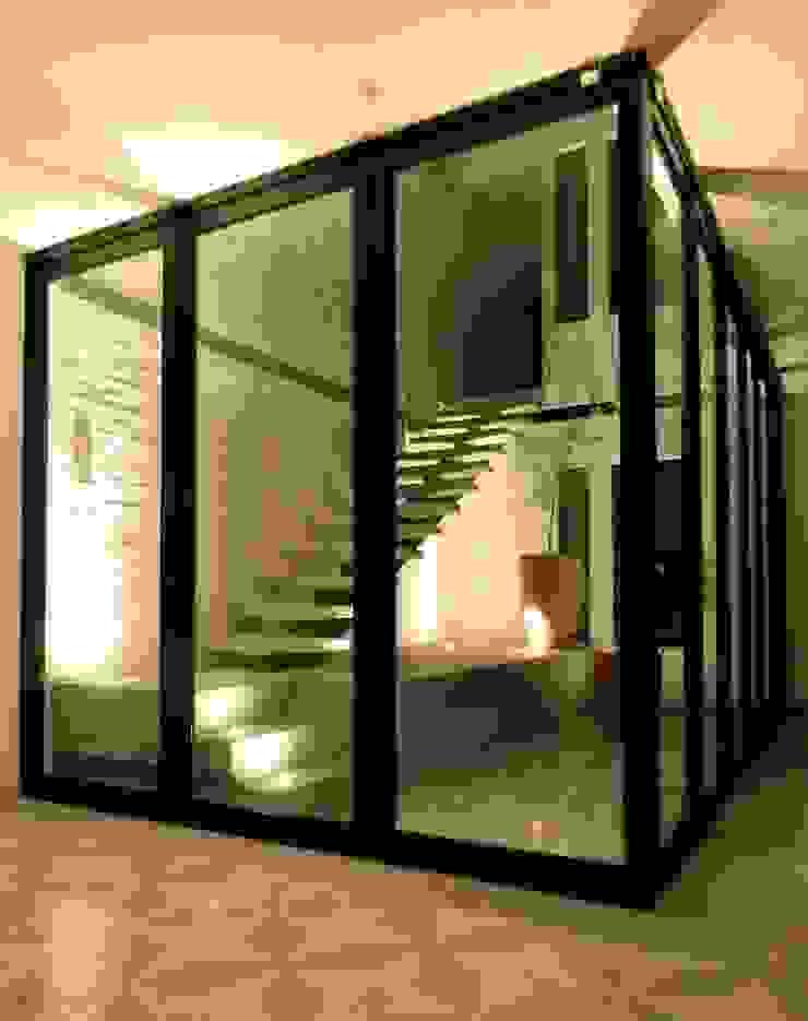 Casa PV Puertas y ventanas eclécticas de Boquer 3 Ecléctico