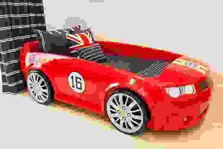 Cama Infantil Carro Ferrari por INTERCASA MÓVEIS INFANTIS E JUVENIS Moderno Fibra natural Bege