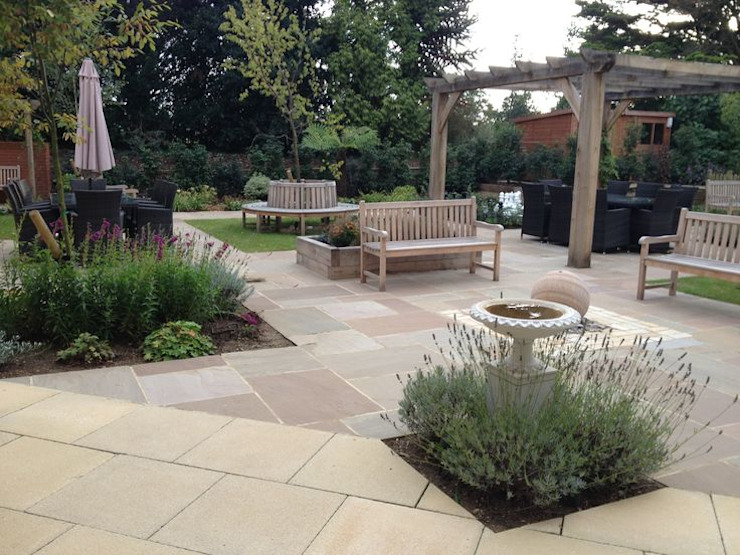 Park View : Residential Care Home Eclectic style commercial spaces by Aralia Eclectic Stone