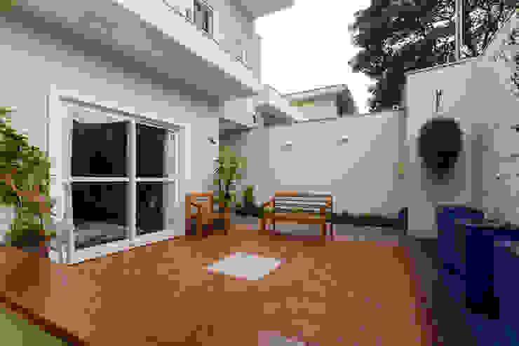 LAM Arquitetura | Interiores Modern garden
