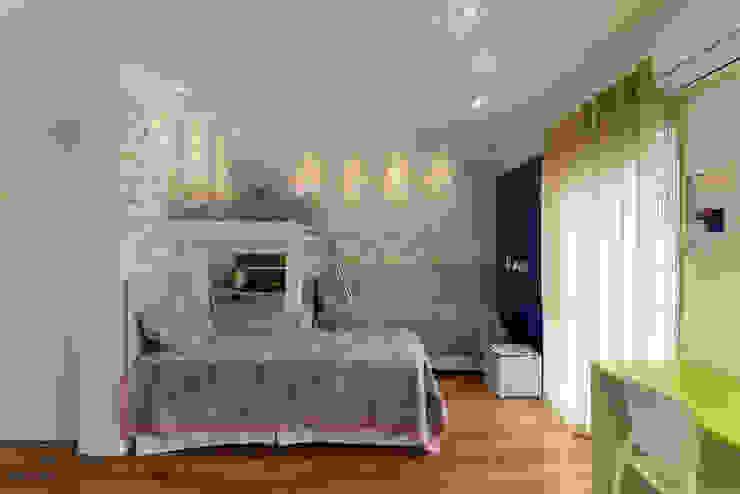 LAM Arquitetura | Interiores Modern nursery/kids room