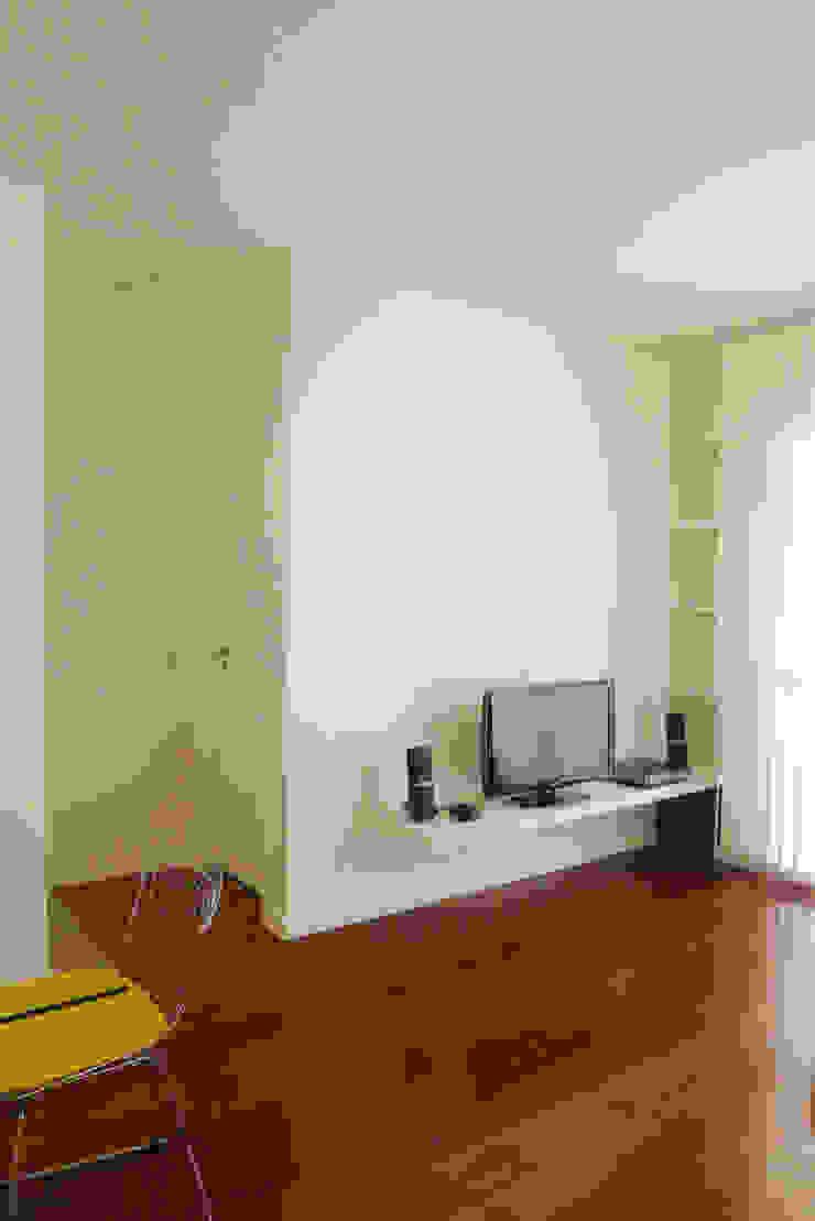 Apartamento K Salas de estar minimalistas por bARST arquitetura e urbanismo Minimalista
