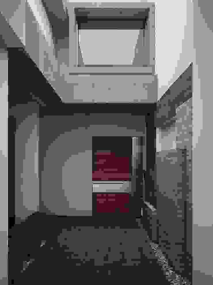 Area de Acceso A224 Casas modernas de Modulor Arquitectura Moderno Piedra