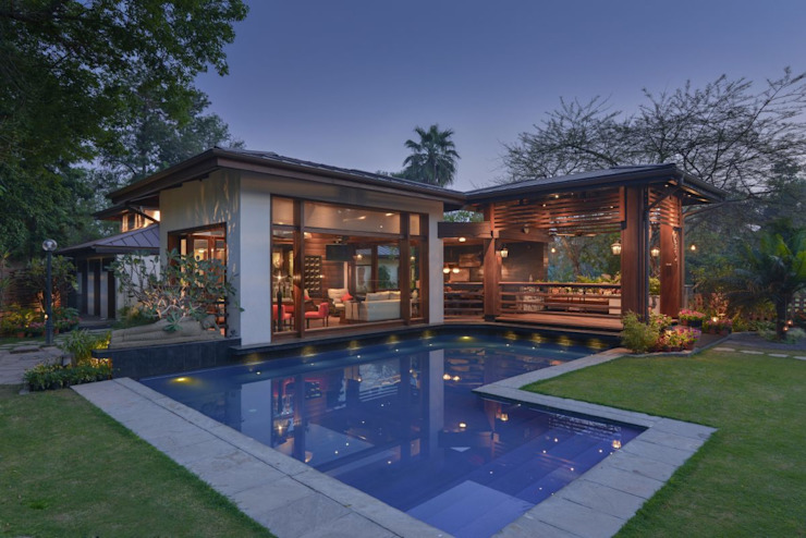 Chattarpur Farmhouse New Delhi di monica khanna designs Moderno