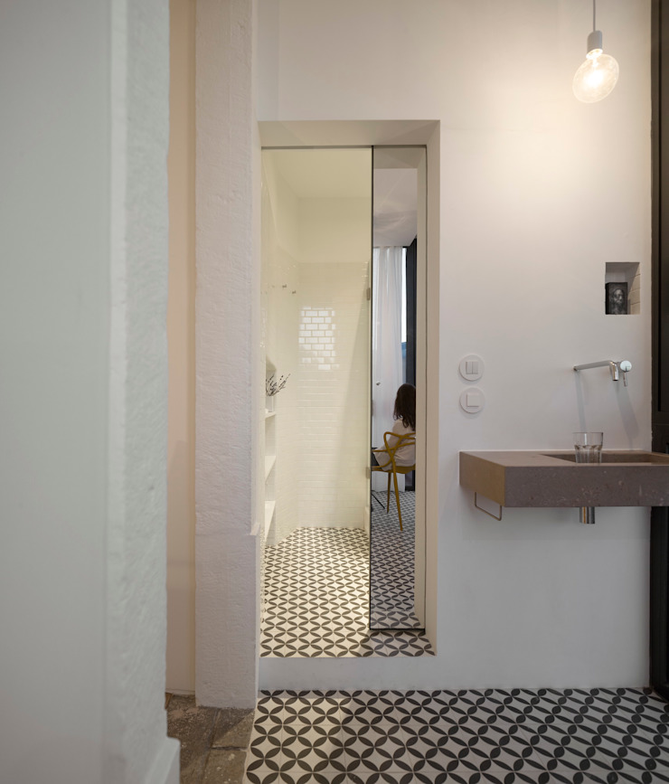 Príncipe real apartment lisbon fala Modern bathroom