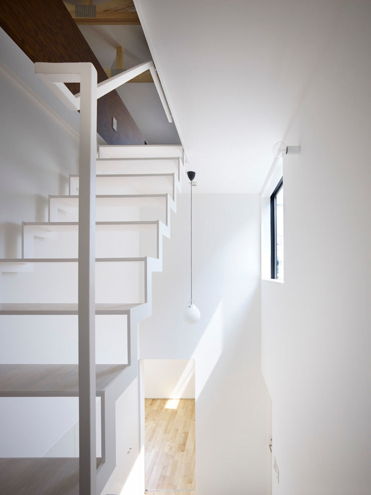 岩倉の家 モダンスタイルの 玄関&廊下&階段 の 牧野研造建築設計事務所 モダン