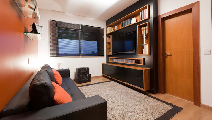 Apartamento Bairro Belvedere II Salas multimídia modernas por Rosangela C Brandão Interiores Moderno