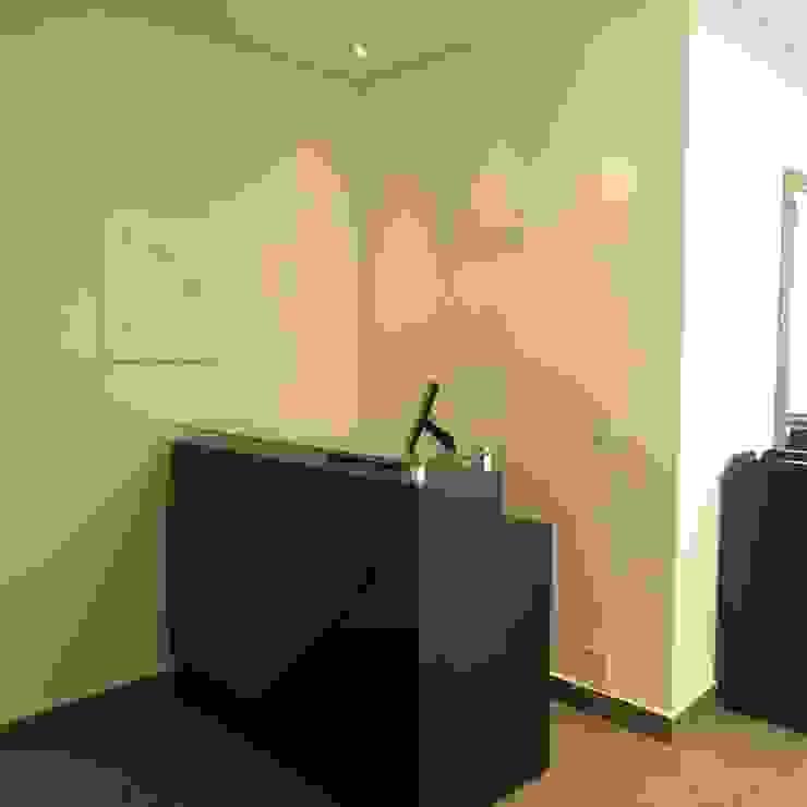 Recepção Espaços comerciais modernos por Danielle David Arquitetura Moderno