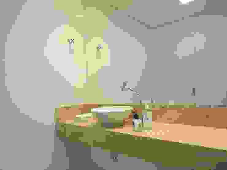 Banheiro para clientes Espaços comerciais modernos por Danielle David Arquitetura Moderno