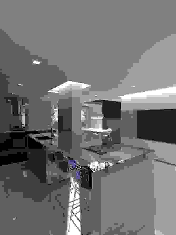 Remodelación Casa La Viña. Cocinas de estilo minimalista de Marianny Velasquez arquitecto Minimalista