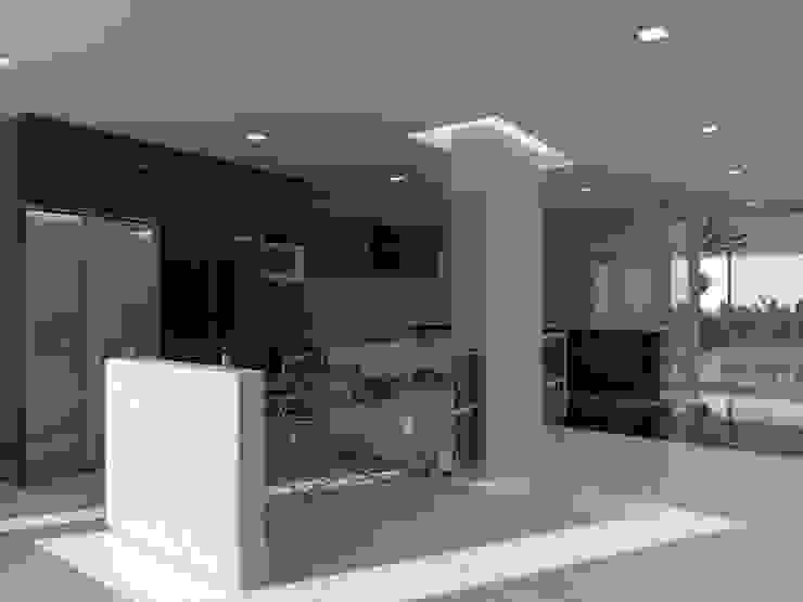 Minimalist kitchen by Marianny Velasquez arquitecto Minimalist