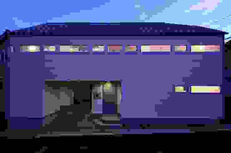 ファサード夜景 オリジナルな 家 の 田原泰浩建築設計事務所 オリジナル
