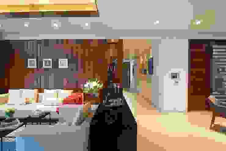 AVS Apartment Modern living room by Atelier Design N Domain Modern
