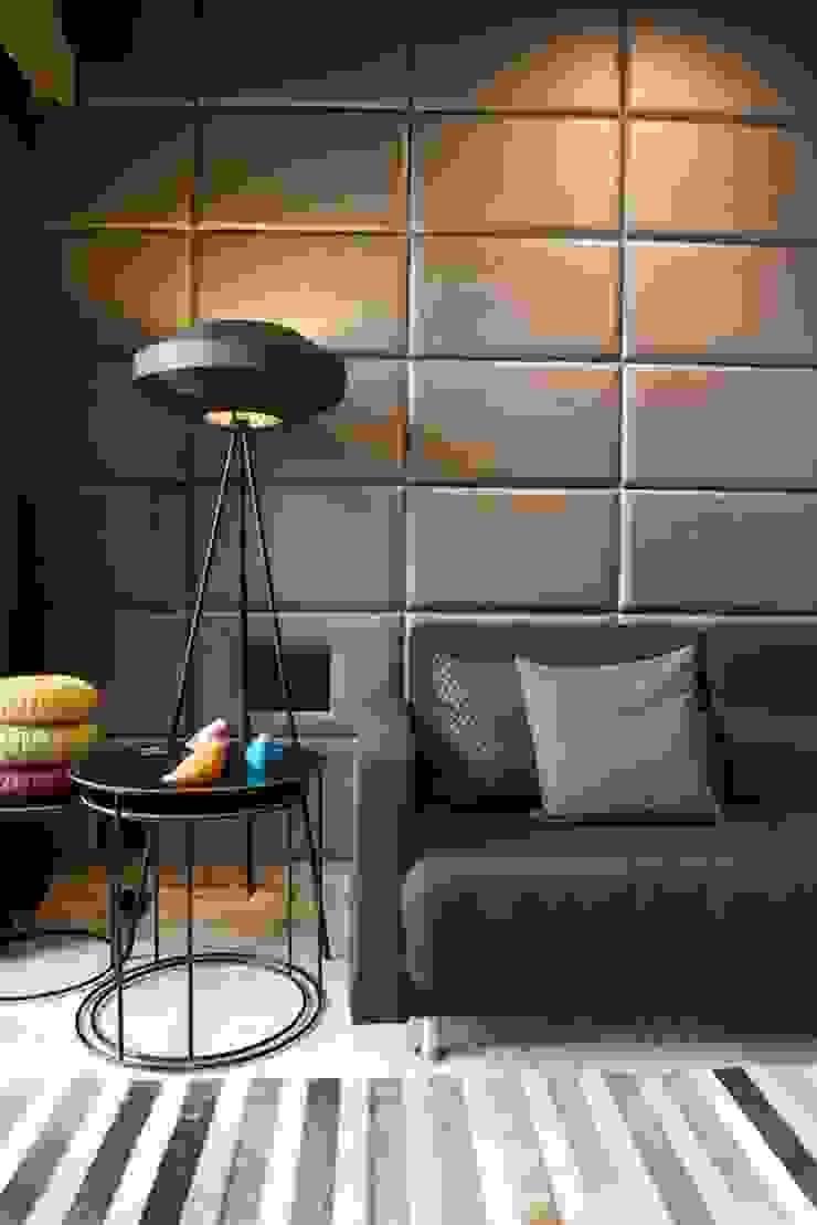 现代客厅設計點子、靈感 & 圖片 根據 Atelier Design N Domain 現代風