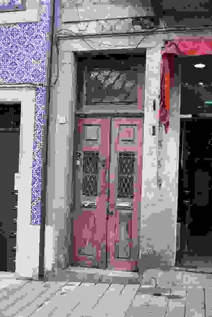 São Lazaro Janelas e portas modernas por minimalinea Moderno