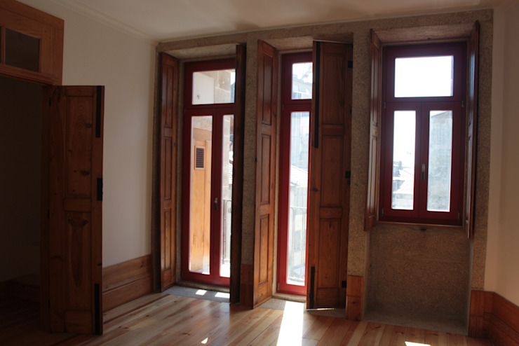 Obra Janelas e portas modernas por minimalinea Moderno