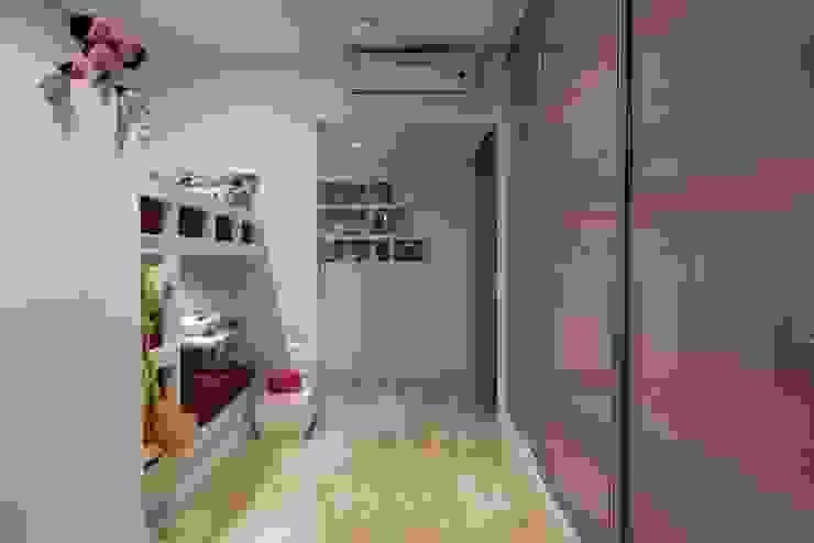 AS Apartment Modern nursery/kids room by Atelier Design N Domain Modern