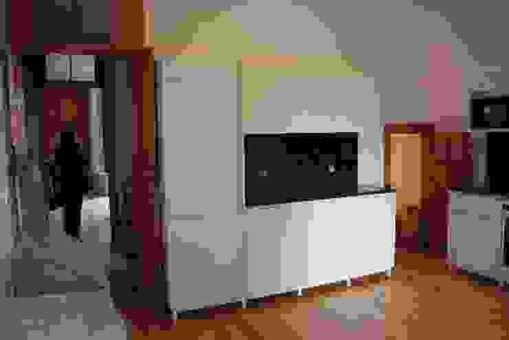 Obra Salas de estar modernas por minimalinea Moderno