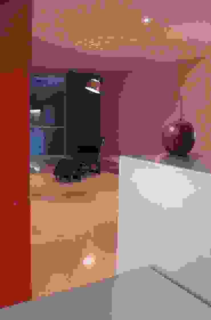 CASA MD PRIVANZAS Salones modernos de planeta diseño + construcción SA de CV Moderno
