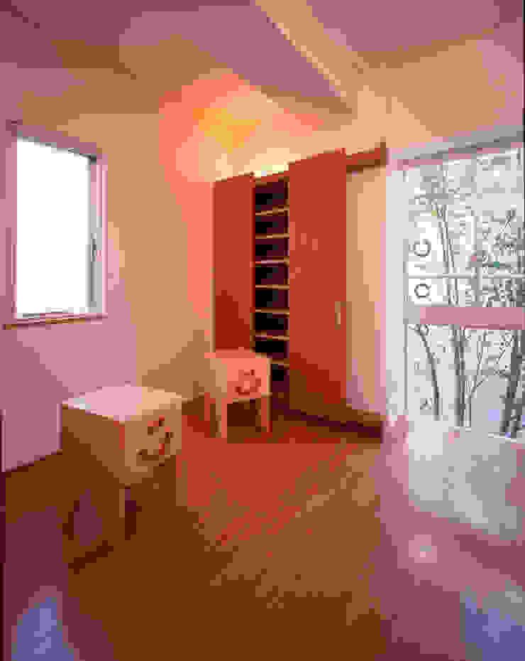 Moderne Schlafzimmer von Guen BERTHEAU-SUZUKI Co.,Ltd. Modern