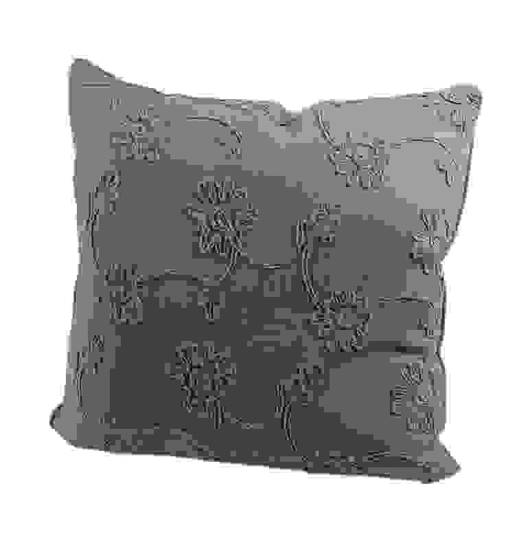 Подушка V330 от LeHome Interiors Классический Текстиль Янтарный / Золотой