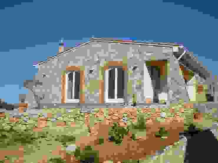 Renovação de Moradia RenoBuild Algarve Casas rústicas