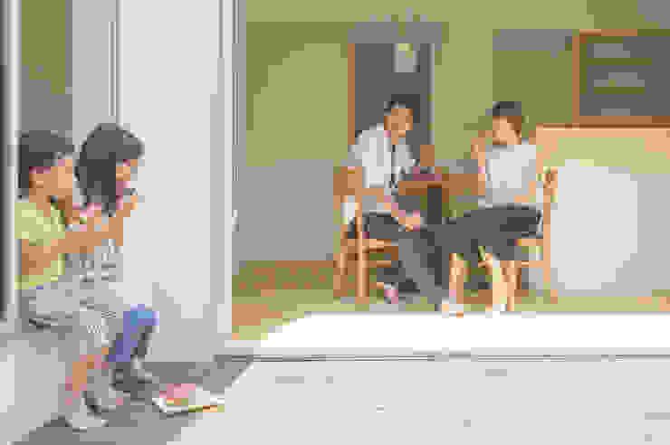 つどう×つながる家 モダンデザインの テラス の 加藤淳一級建築士事務所 モダン