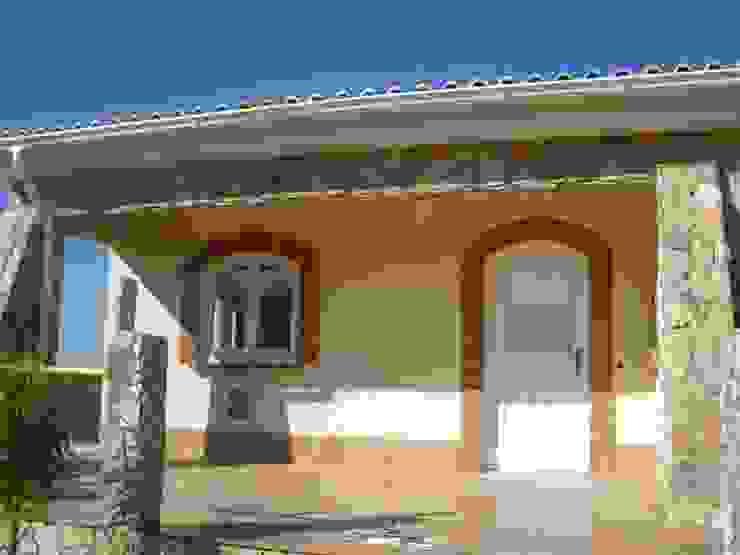 Home Renovation Casas de estilo rústico de RenoBuild Algarve Rústico