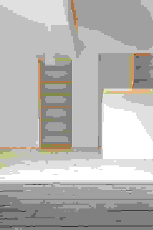 つどう×つながる家 モダンな キッチン の 加藤淳一級建築士事務所 モダン