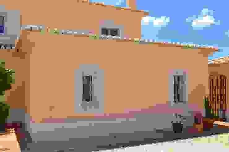 Facade Maintenance and Repair Mediterranean style house by RenoBuild Algarve Mediterranean