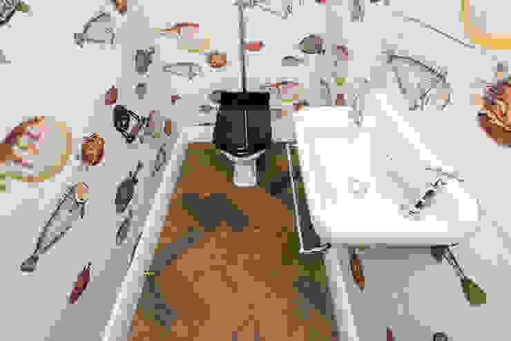 Full renovation on Trinity Road, London モダンスタイルの お風呂 の Grand Design London Ltd モダン