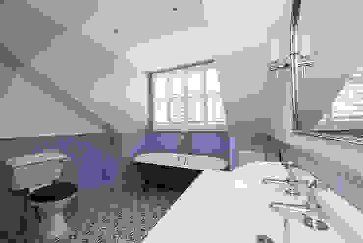 Full renovation on Trinity Road, London Modern bathroom by Grand Design London Ltd Modern