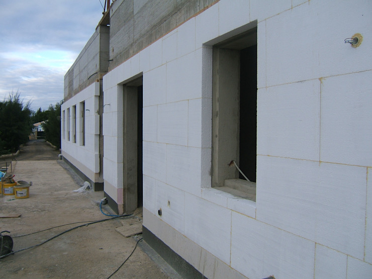 External Thermal Insulation (ETICS) 地中海風 家 の RenoBuild Algarve 地中海