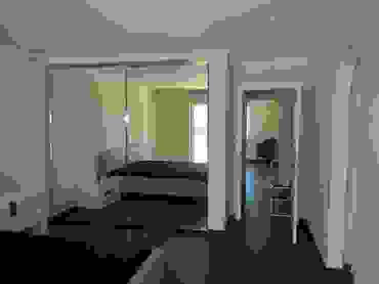 Interior Painting Dormitorios de estilo mediterráneo de RenoBuild Algarve Mediterráneo