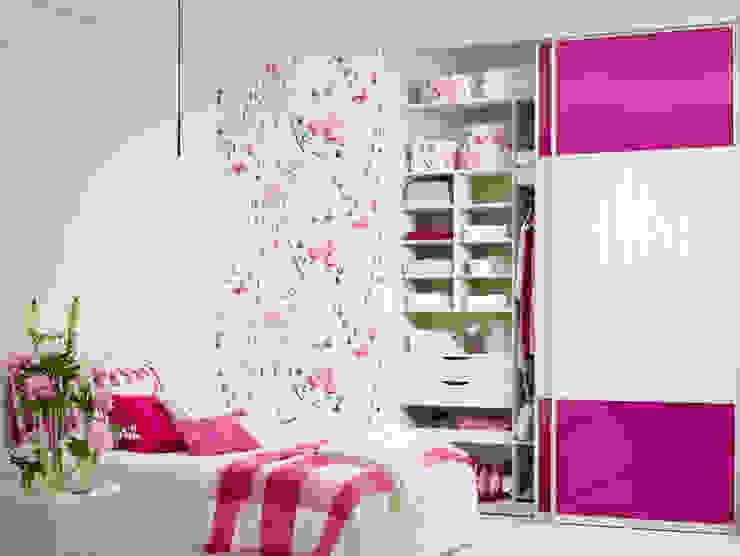 por Elfa Deutschland GmbH Moderno de madeira e plástico
