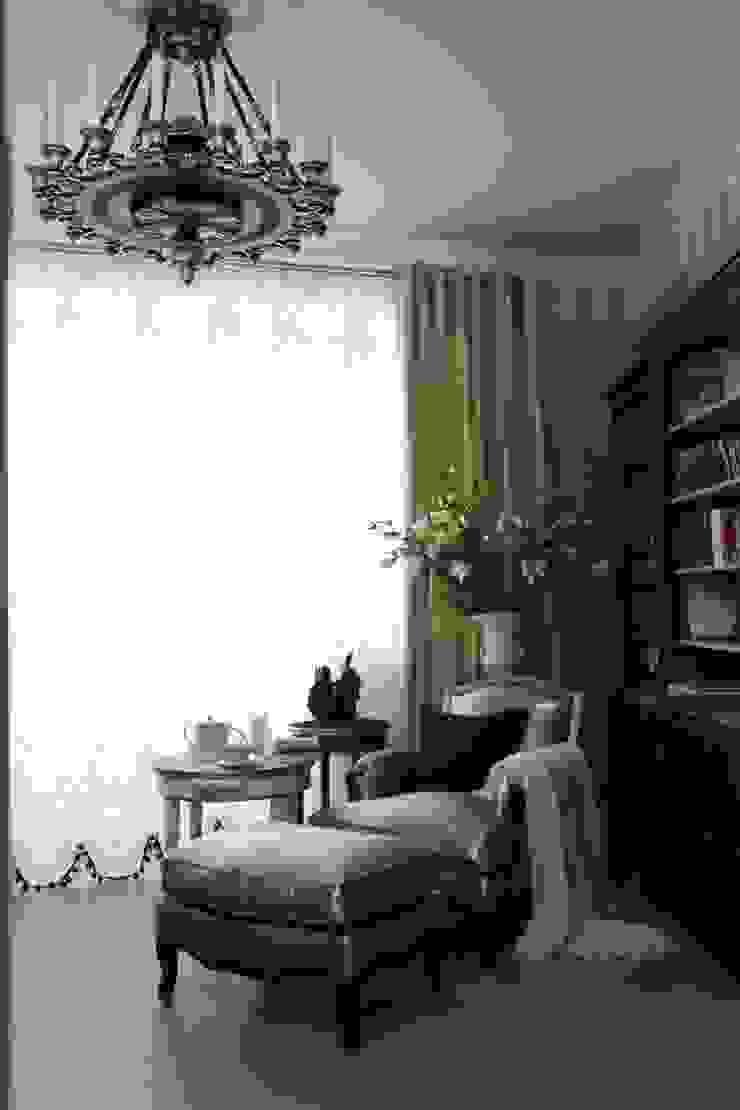Библиотека Медиа комната в классическом стиле от СТУДИЯ ЮЛИИ НЕСТЕРОВОЙ Классический