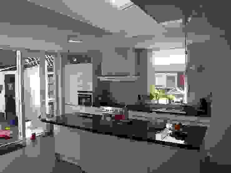Open keuken Moderne keukens van Delta architectuur Modern